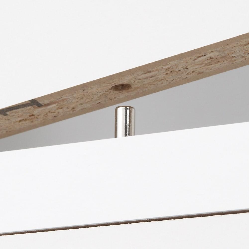 天板が使える 光沢仕上げ扉付きすき間収納庫 ハイタイプ・幅25cm 上段棚部と下段引出部はジョイントピンでしっかりと固定。