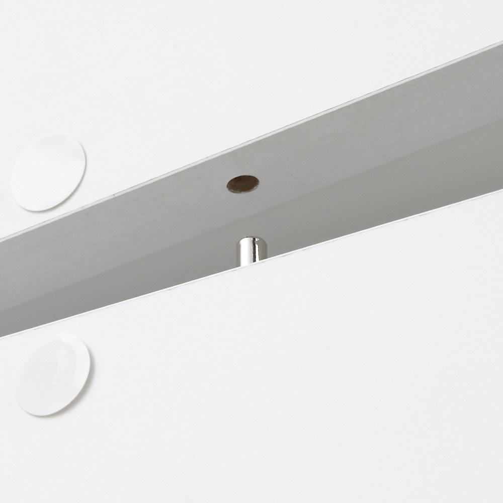 アクリル扉すき間収納庫 奥行44.5・幅15cm 上段と下段はジョイントダボでしっかりと固定します。