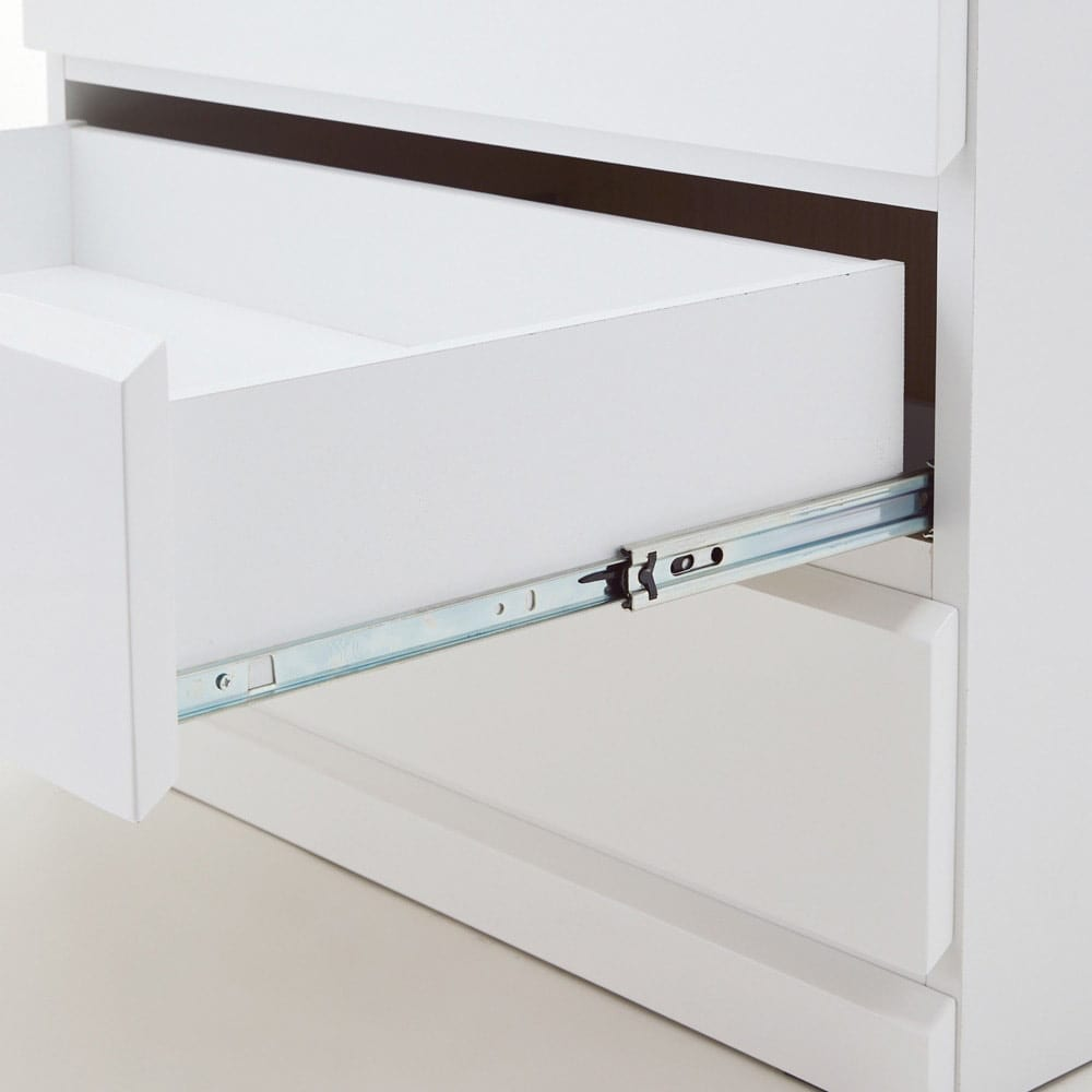 光沢仕上げ内部化粧チェスト 幅70cm・奥行30cm 奥まで引き出せるフルスライドレール。