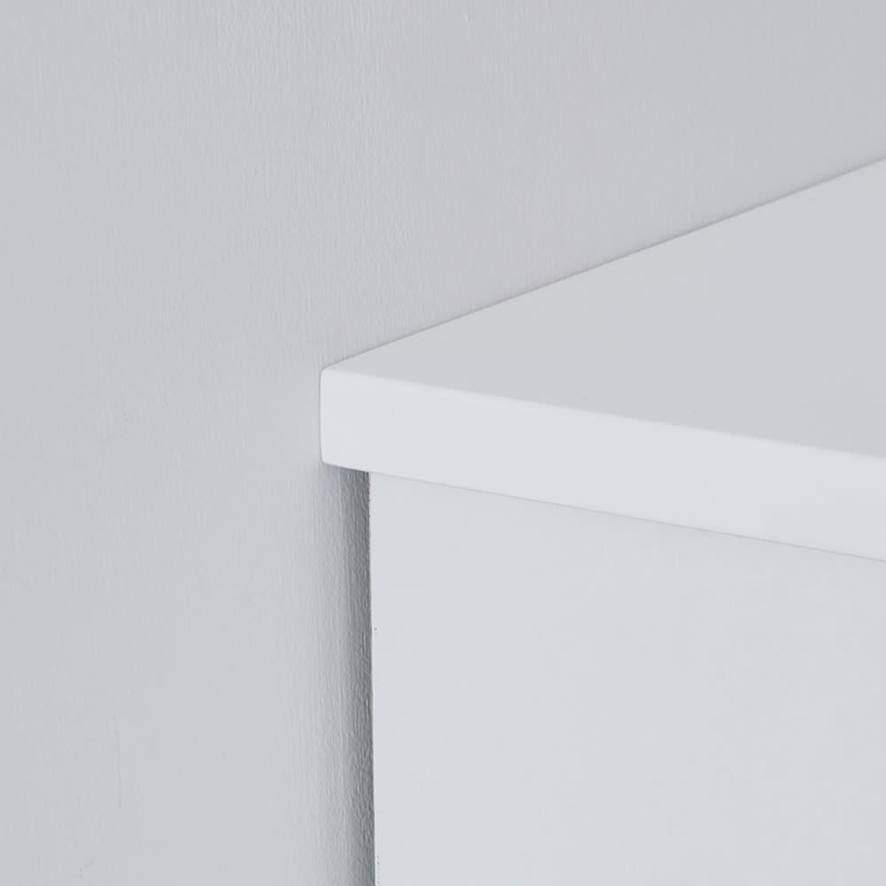 光沢仕上げ内部化粧チェスト 幅70cm・奥行30cm 天板を少し長めにし、壁にぴったり設置可能。