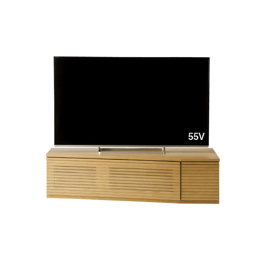 大型テレビが見やすい天然木格子コーナーテレビ台 幅135cm 右コーナー(右壁付)用 (イ)オーク テレビ台とテレビのバランス参考。 対応テレビサイズは55Vまで。 ※テレビメーカーによって同じインチ数でもサイズが異なります。ご使用のテレビサイズをご確認ください。