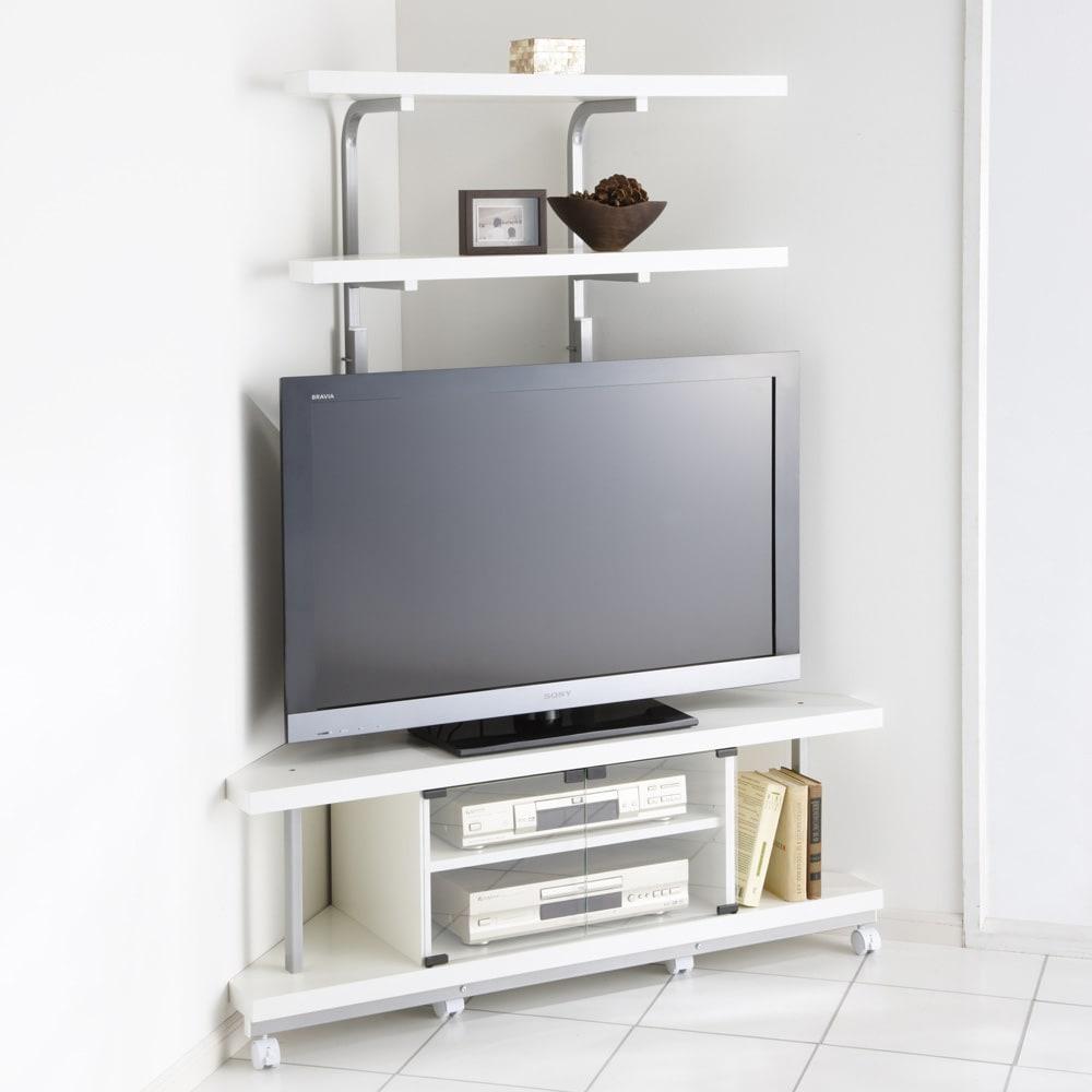 テレビ上の空間を有効活用できるシリーズ コーナー用テレビ台 幅120cm・棚2段 (イ)ホワイト ※テレビは42インチ液晶テレビを載せています。