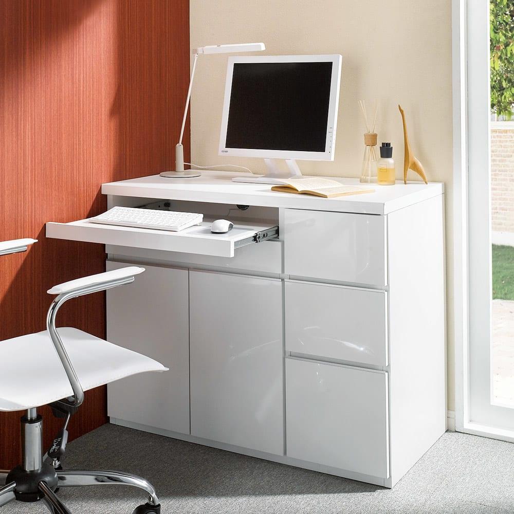 オールインワン!組立不要 マルチ収納パソコンデスク 幅60cm (ア)ホワイト色見本 ※写真は同シリーズ商品の幅89cmタイプです。