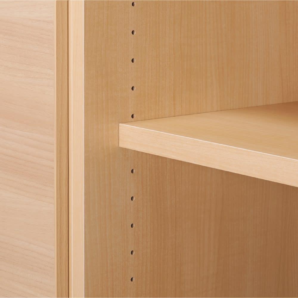 奥行44cm 生活感を隠すリビング壁面収納シリーズ 収納庫 段違い棚タイプ 幅120cm 収納棚には、3cm間隔で細かく調節できる可動棚板付き。