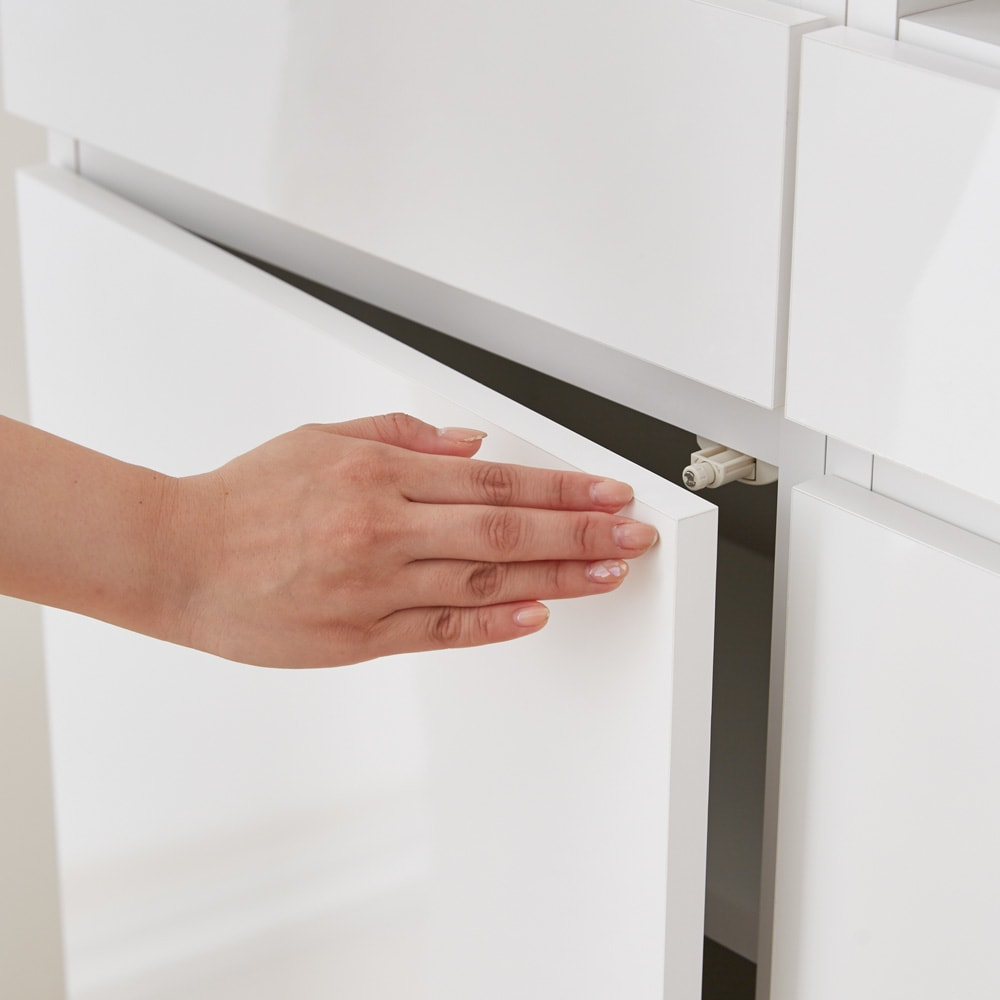 スイッチ避け壁面収納シリーズ スイッチよけタイプ(上台オープン・下台引き出し)幅75cm奥行30cm プッシュ扉で開閉簡単。取っ手がなく、すっきり隠して収納できます。