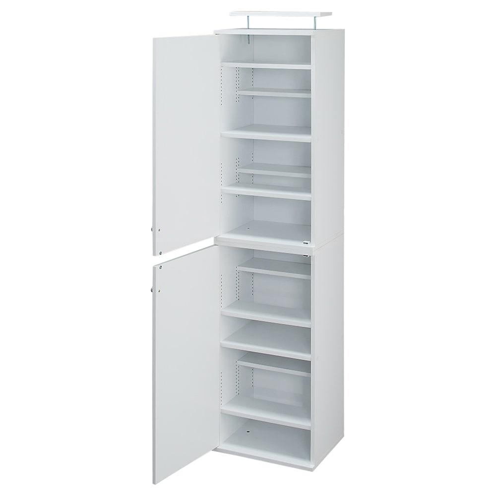 天井対応高さを選べるすっきり突っ張り書棚 奥行39cm段違いタイプ 本体高さ210cm(天井対応高さ213~223cm) (ウ)ホワイト ※写真は幅45cmタイプです。幅45cmタイプの扉は左右どちら開きにも設定可能です。