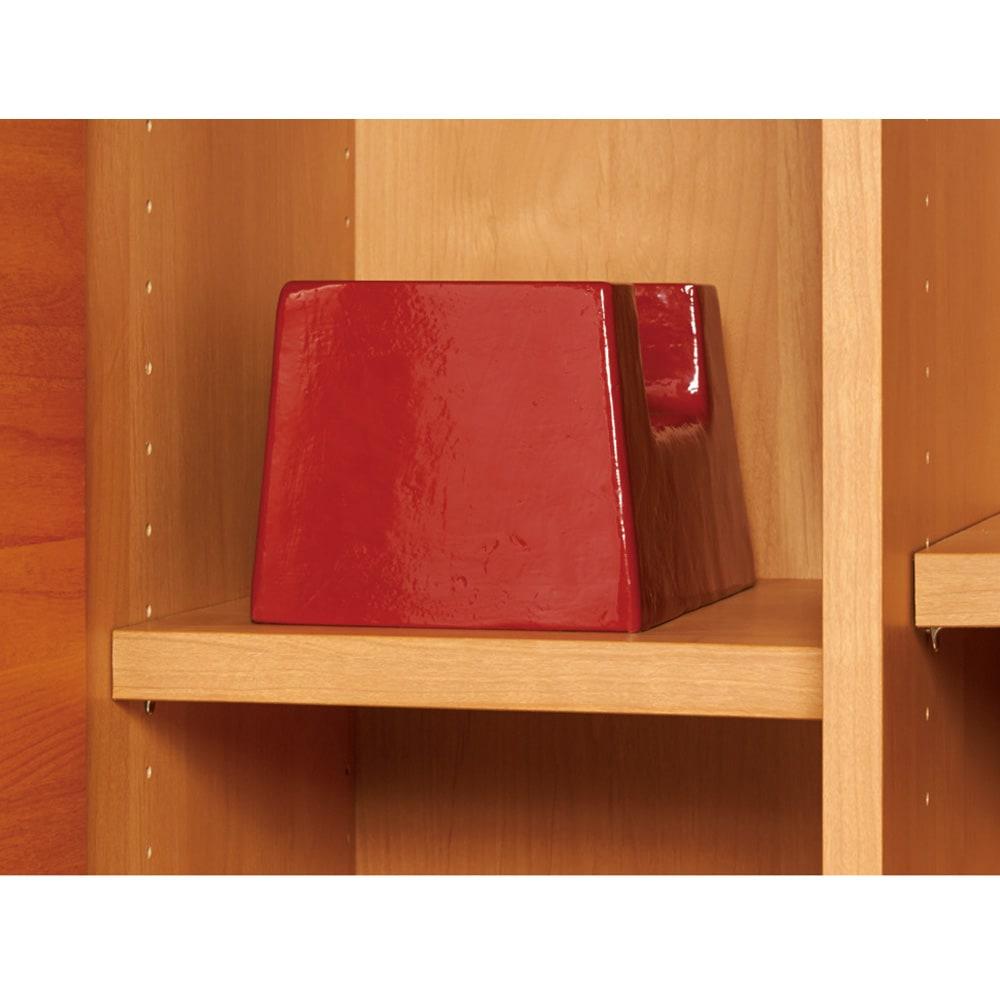 アルダー天然木 アールデザインブックシェルフ 幅80.5高さ90cm 棚板は耐荷重約30kgで、たわみにくい頑丈な造り。(写真はイメージ)