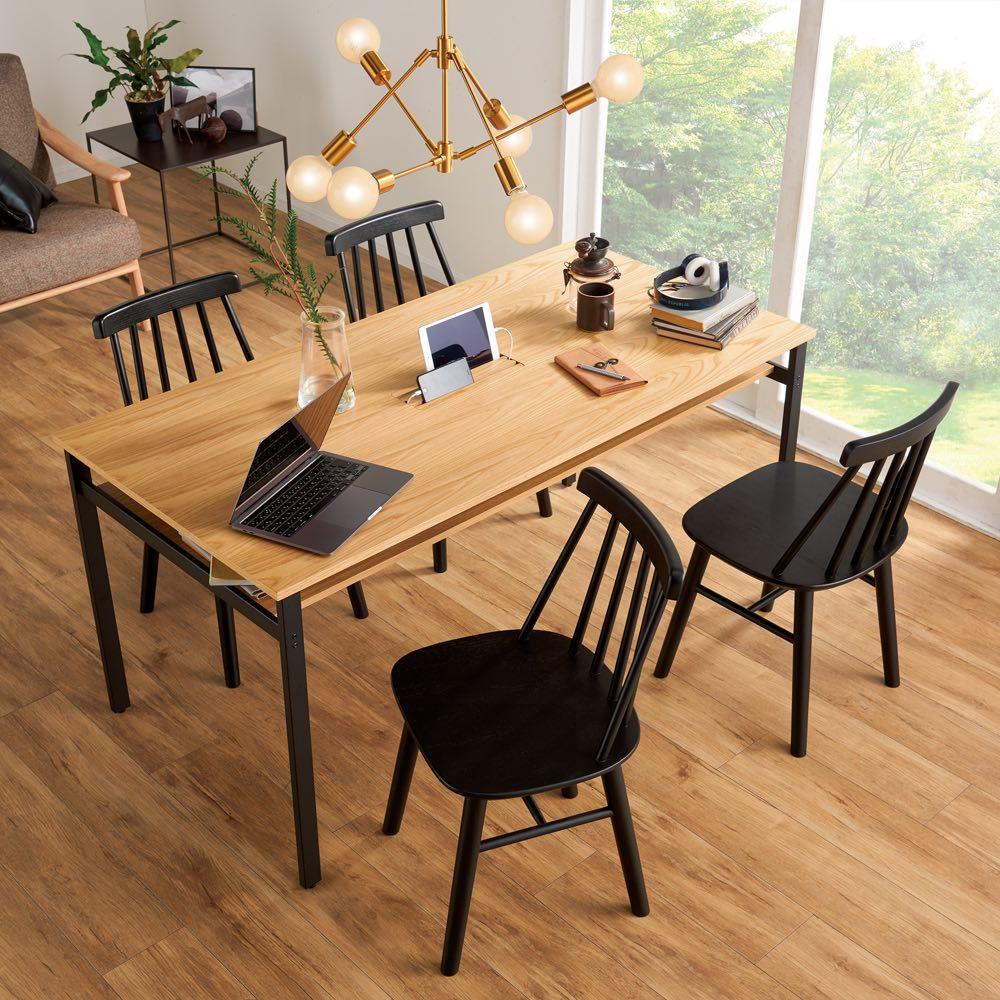 おうちの時間が快適になるオーク天然木ブルックリンダイニングシリーズ 5点セット(テーブル・幅150cm+ウィンザーチェア4脚) お届けの5点セット(テーブル幅150+ウィンザーチェア4脚) まるでカフェのようなおしゃれなダイニングへ!