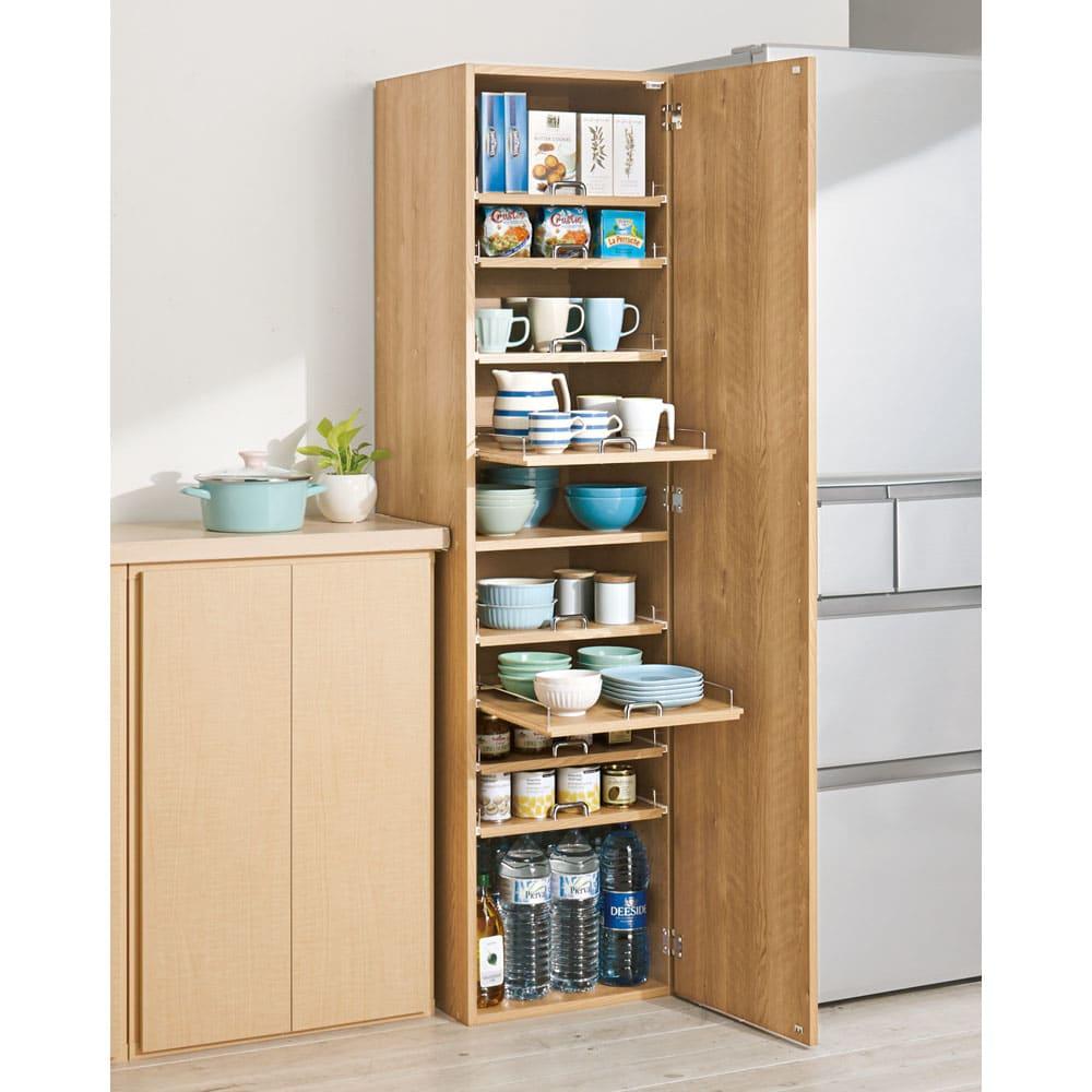 食器が探しやすく取り出しやすい食器棚 幅45cm コーディネート例(イ)ナチュラル