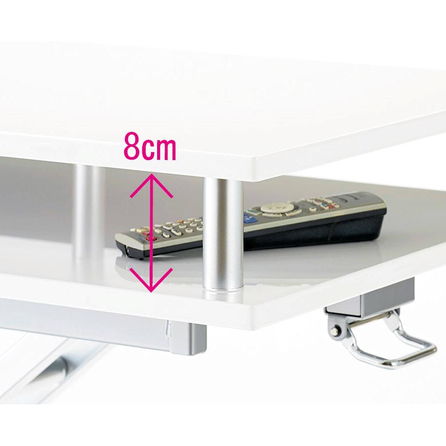 棚付き昇降式テーブル 幅120cm 迷子になりやすいリモコン、ティッシュや雑誌、新聞などの小物を、天板下に収納してすっきり。