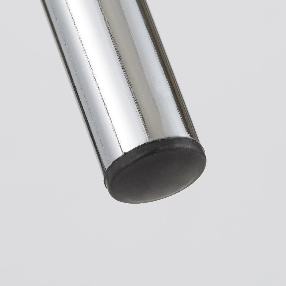 バタフライ伸長ダイニング ハイバックチェア 同色2脚組 チェアの床接地面は床にキズが付きにくいように保護されています。