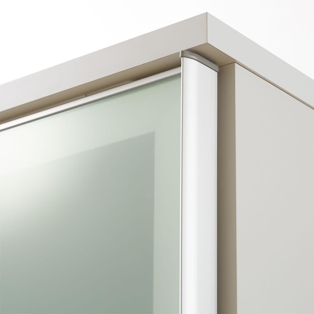 大型パントリーシリーズ スライド収納庫 ガラス扉 幅118cm 清潔感があり、キッチンを明るい空間に。