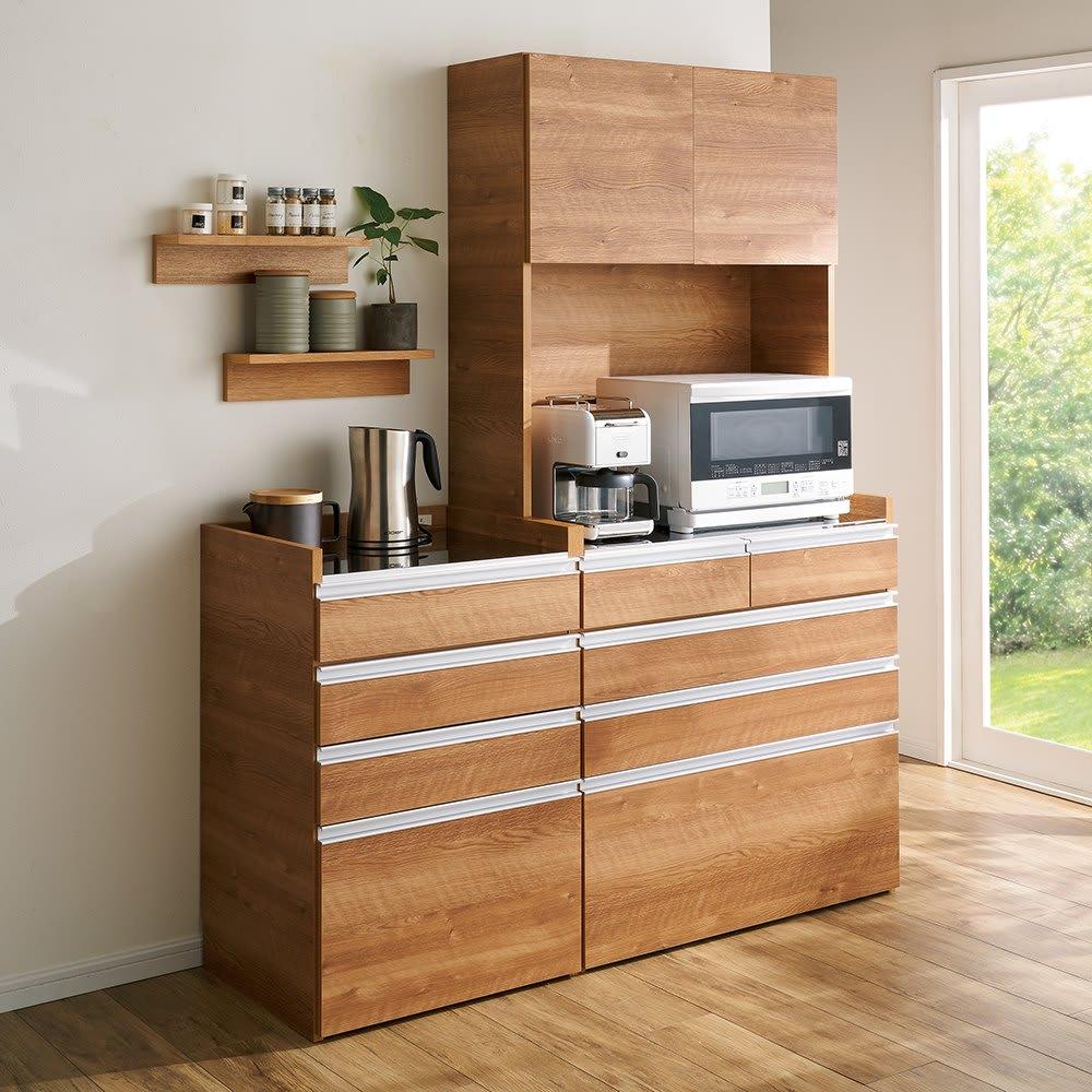 大型レンジ対応ステンレスクリーンキッチン キッチンボード 幅119cm コーディネート例(イ)ブラウン ※写真は(左)カウンター幅60cm、(右)キッチンボード幅90cmです。