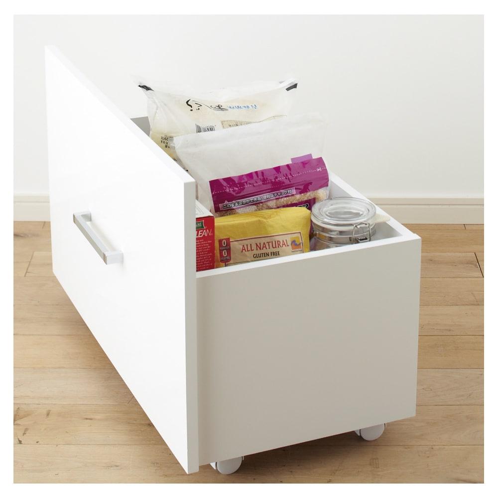 引き出して使える頑丈ワゴン付き キッチンストッカー 幅30cm お米類 置き場所に困るお米など重さのあるものも収納できます。