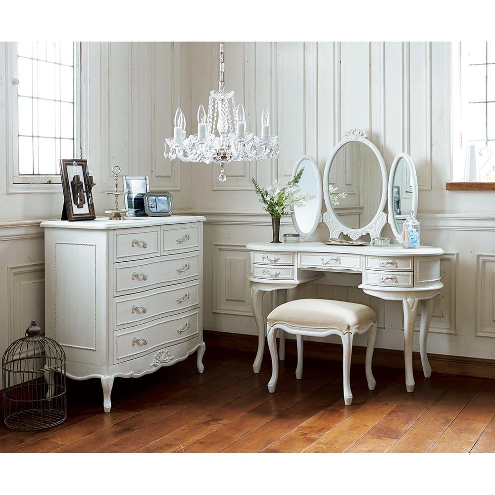 シャビーシック ホワイト フレンチ収納家具シリーズ ドレッサー シリーズ品とのトータルコーディネートもおすすめです。