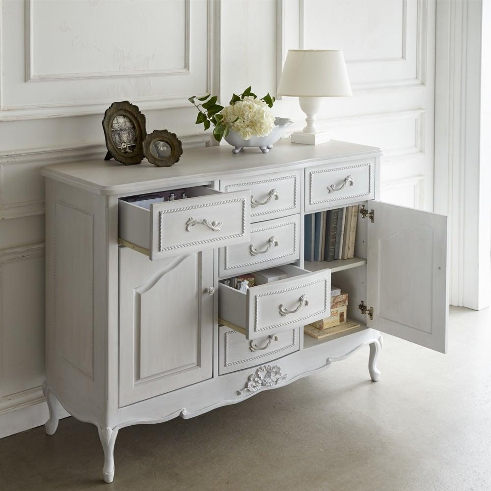 シャビーシック ホワイト フレンチ収納家具シリーズ リビングボード たっぷりの引き出しが付いた、充実の収納力も魅力の一つ。