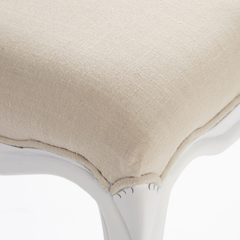 シャビーシック ホワイト フレンチ収納家具シリーズ スツール 丸みのある装飾が女性らしさを演出します。