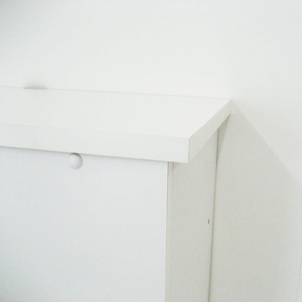 【日本製】壁面や窓下にぴったり収まる高さサイズオーダー収納庫 左コーナー用扉 幅75奥行44cmタイプ 天板幅木よけ仕様でコンセント口に配慮。 ※写真は右コーナー用です。