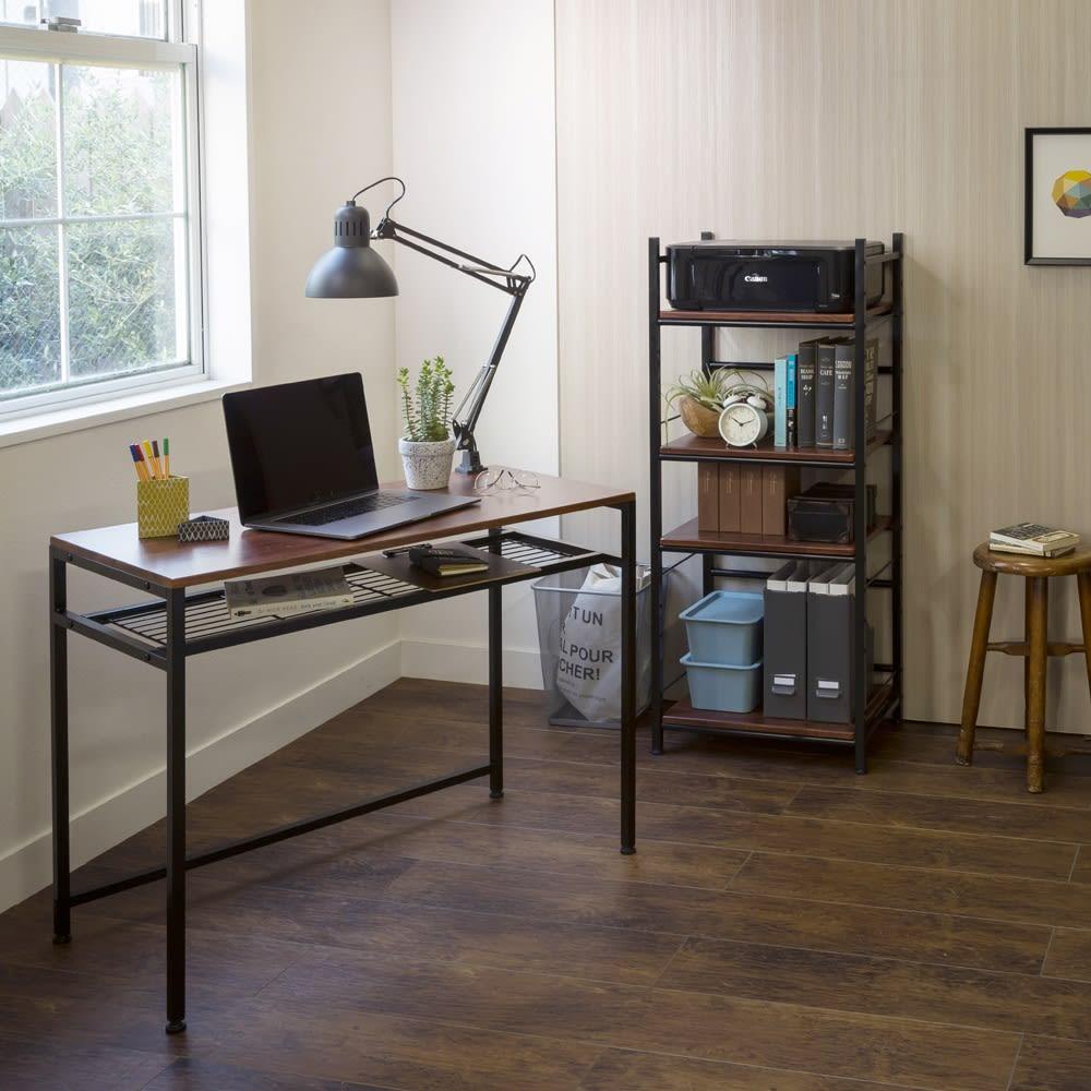 木目調シンプルパソコンデスク幅91cm奥行46cm コーディネート例(ア)ダークブラウン・ブラック ※お届けはデスク幅91cmのみです。