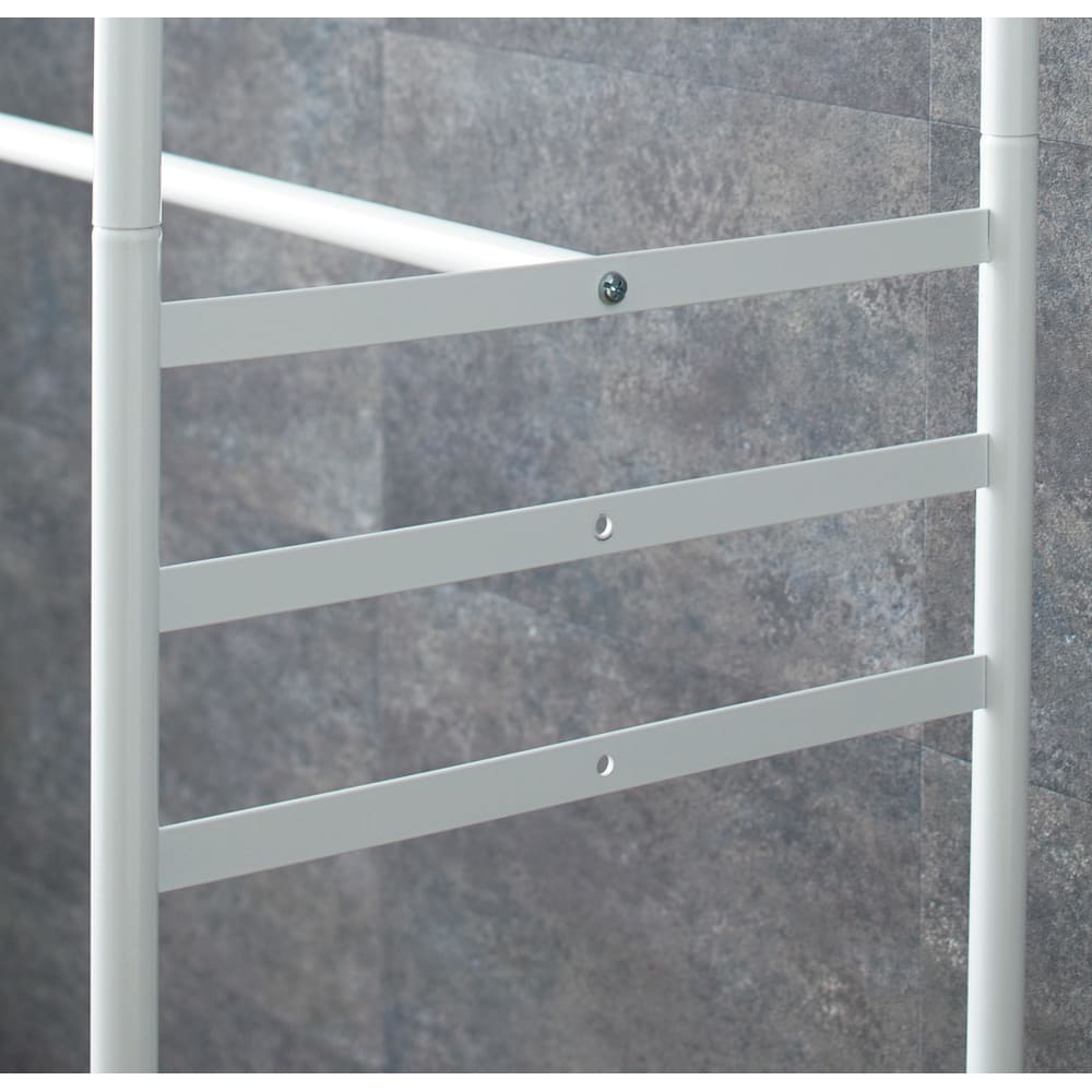 上下・左右カーテン付き ホワイトハンガーラック 引き出し付き・ロータイプ(幅170~238cm) 下段ハンガーバーは高さを3段階に調節することも可能です。スカートやパンツ、短めのシャツやジャケットを掛けるのに便利です。