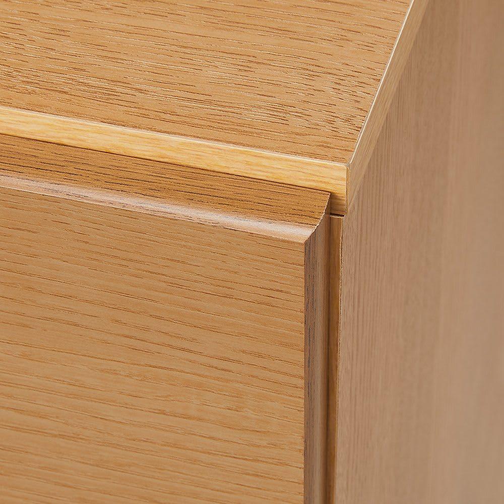 【幅100・4段】北欧風グラデーションチェスト  なめらかな加工技術で引き出しのシートは包み込みように貼られています。家具職人さんの商品へのこだわりがうかがえます。