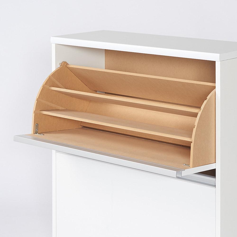 可動仕切り板でたっぷり入るフラップ式シューズボックス 2段