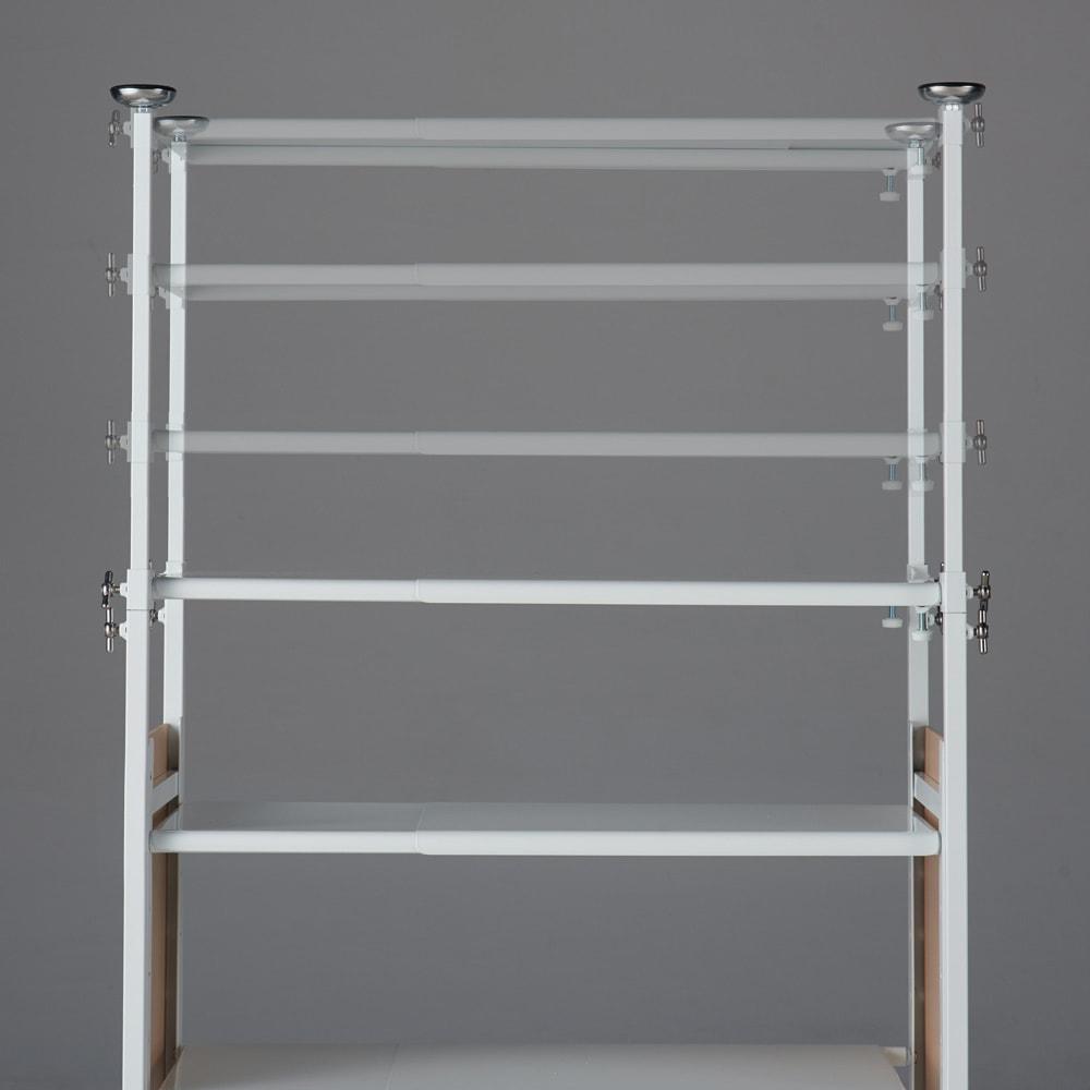 空間に美しく調和する伸縮自在木目調シューズラック 突っ張り式11段 棚は5cm間隔で可動します。
