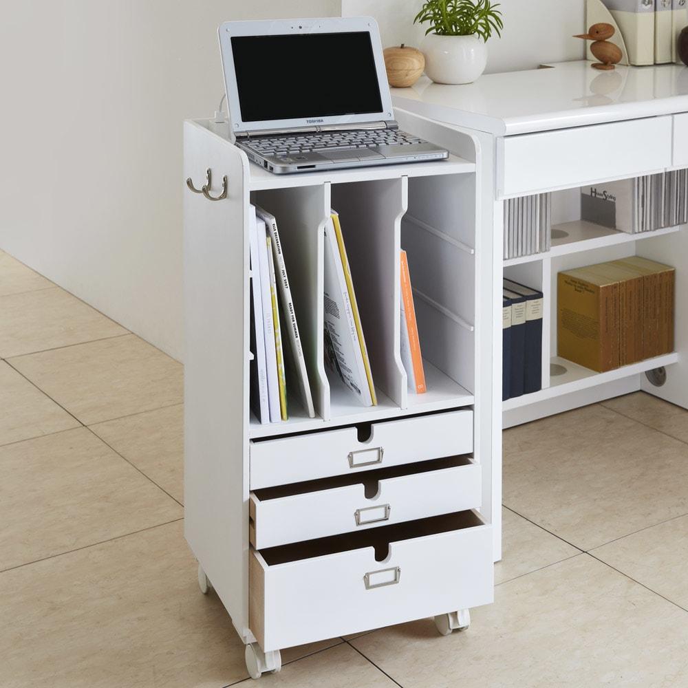 デスク上すっきりマルチワゴンシリーズ A4対応タイプ (ウ)ホワイト デスク横にぴったりな高さ設計。