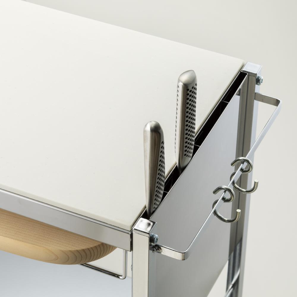 人工大理石天板キッチン作業台 幅48 包丁やまな板をすっきり収納し、サッと取り出せます。