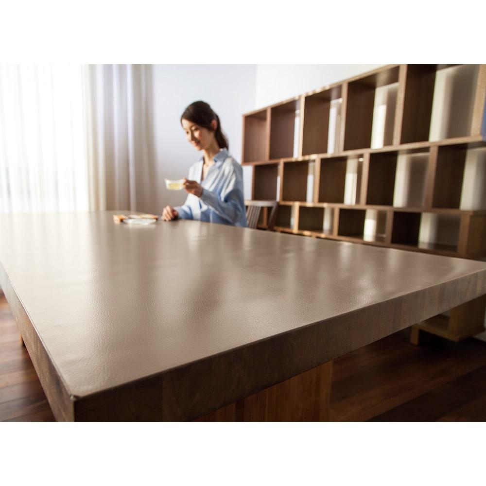 本革調テーブルマット 幅120cm(オーダーカット) (イ)グレイッシュブラウン