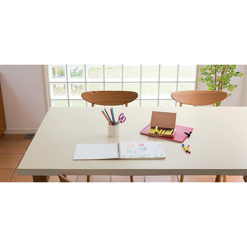 本革調テーブルマット 幅120cm(オーダーカット) (ウ)アイボリー キズや汚れが気になる作業も本革調マットを敷けば安心!