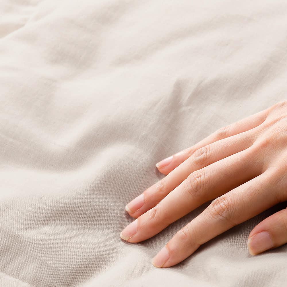 1枚でケットとしても使える 洗えるふわふわガーゼのダウン入り掛けカバー 2重ガーゼは、洗えば洗うほどやわらかくなり肌に馴染みます。