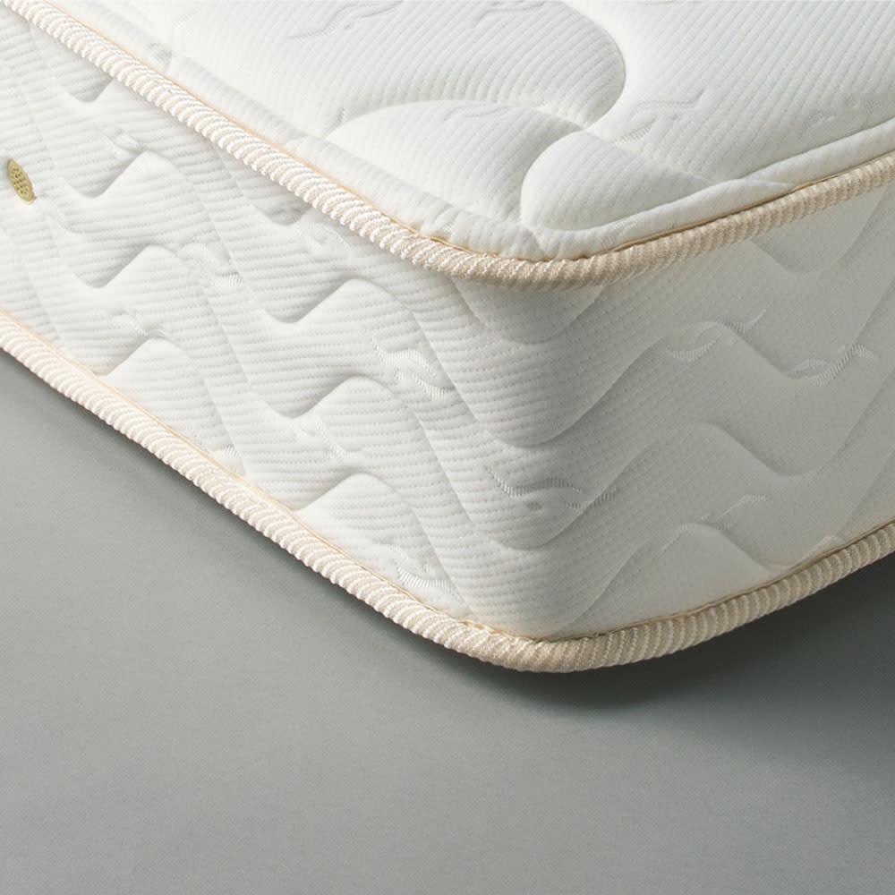 国産無塗装ひのきすのこベッド 国産ポケットコイルマットレス(厚さ23cm)付き コイルスプリングを一つ一つ包んで独立したポケット(袋)が点で体を支え、体のラインに沿ってしっかり体重を支えます。