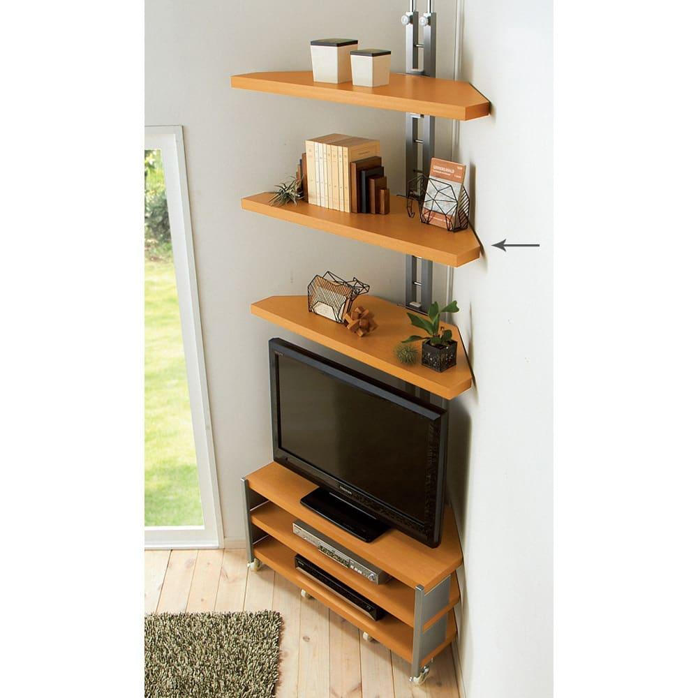 テレビ上の空間を有効活用できる突っ張り式スペースラック コーナーシェルフ 幅90cm・3段 711211