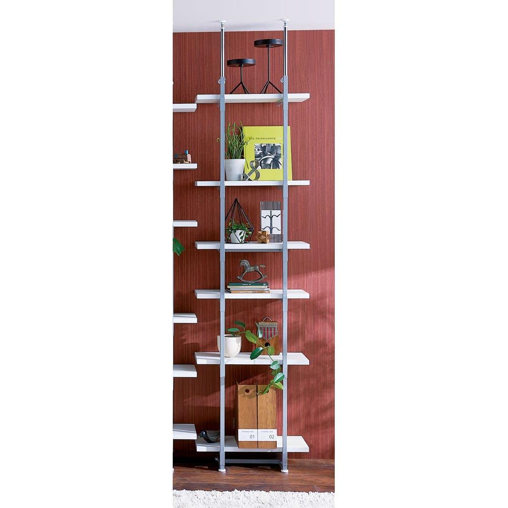 【日本製】棚板を無段階に調整できる突っ張りモダンラック 幅59.5cm・6段 ※単品イメージ (イ)ホワイト