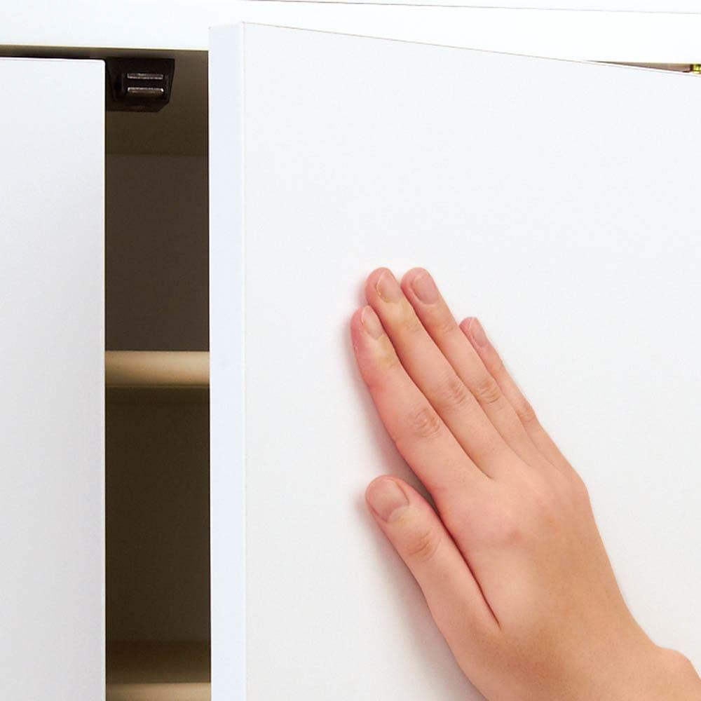 並べても使える 突っ張り式ユニットシューズボックス 天井高さ224~234cm用・幅80cm[紳士靴対応] 扉の開閉はプッシュ式で、取っ手がなくすっきり。
