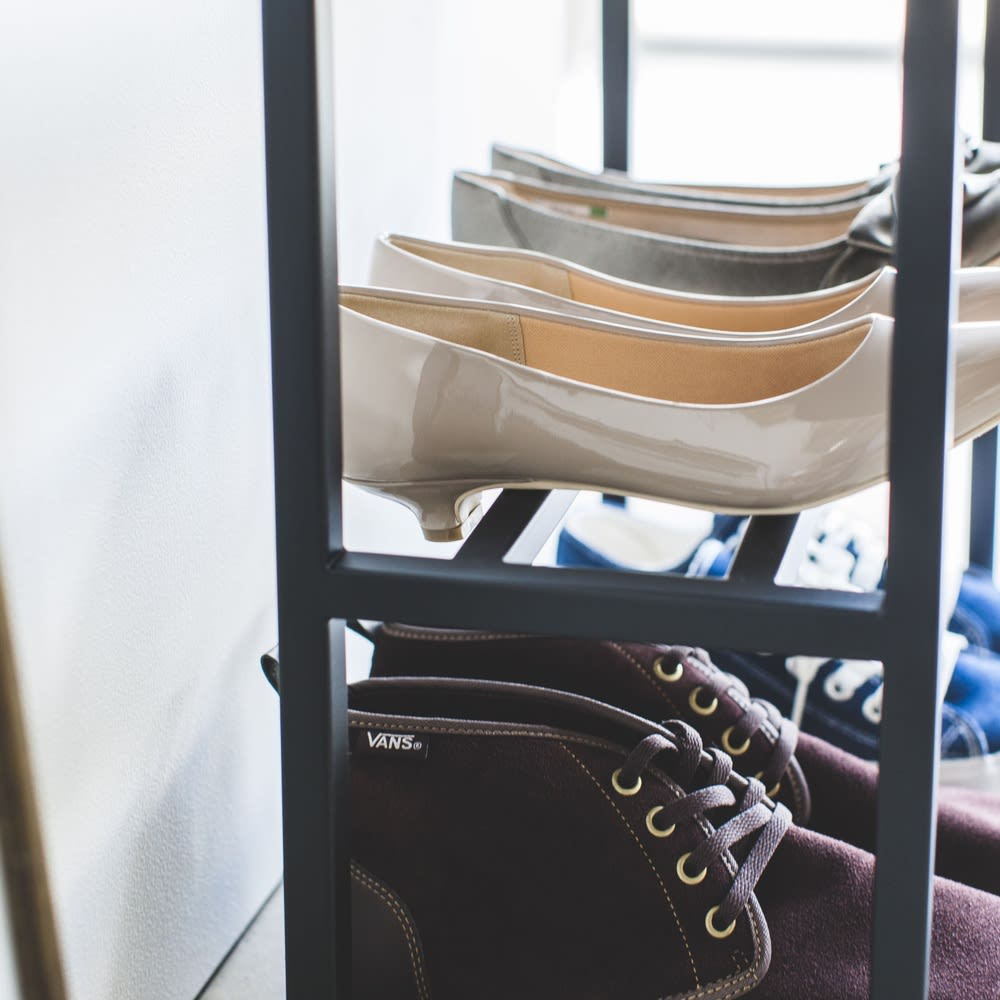 tower ベンチシューズラック ヒール靴も収納可能。
