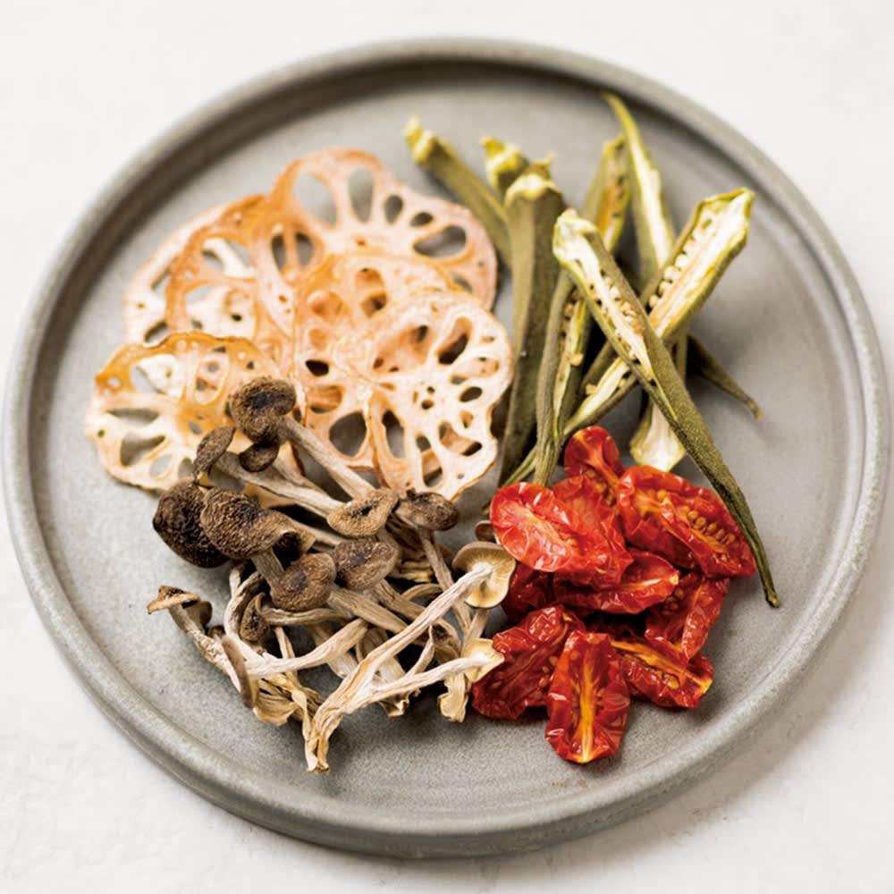 クイジナート エアフライオーブン トースター 特典なし ドライトマトのオイル漬けも簡単。パスタ、サラダに重宝します。野菜チップスはヘルシーなおつまみに。