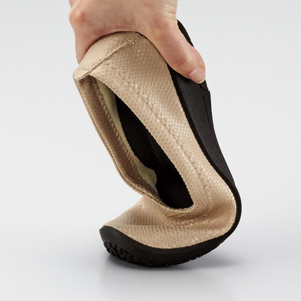 ARCOPEDICO/アルコペディコ ワッフルバレリーナ バレエシューズ 屈曲性がよく、足の動きに寄り添ってくれるので、素足で歩くような感覚。 ※画像はシルヴィア・バレエシューズです