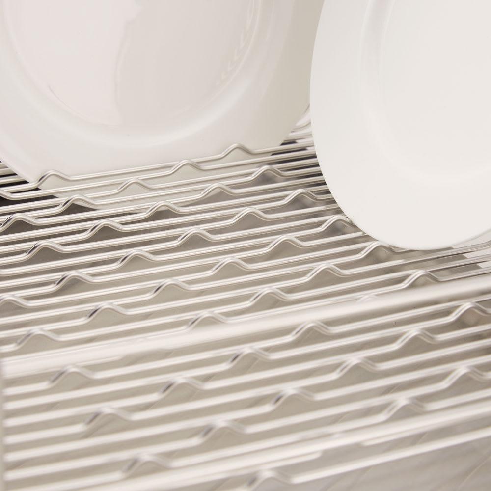ハナウタ 皿を縦にも横にも置ける水切り 研究を重ねて完成させた底面の小さなウェーブが皿やお椀をしっかりホールド。