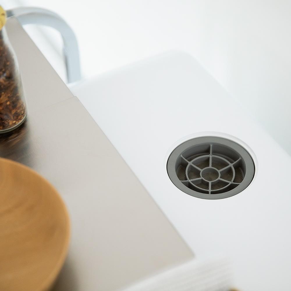 食洗機の上が使えるステンレスラック 食洗機上の給水口をふさがない奥行きです。
