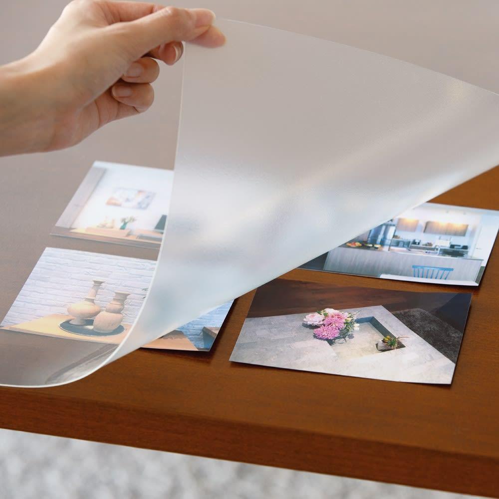 透明テーブルマット 写真をはさんでも転写しにくい。