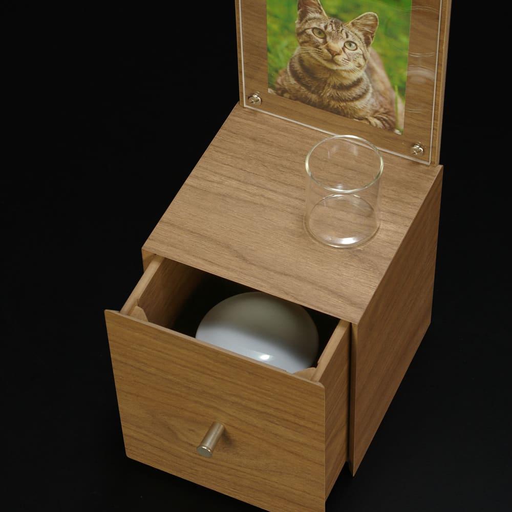 ペットメモリアルボックス 3.5寸サイズまでの骨壺が入れられます。(※骨壺は付属しません)