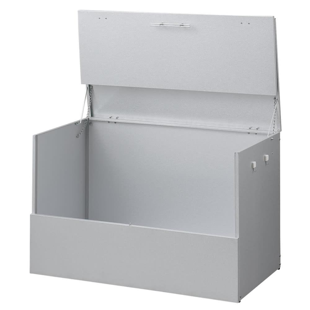 大きく開くガルバ製ゴミ保管庫 幅100奥行55cm ゴミの出し入れのしやすさを第一に考えました