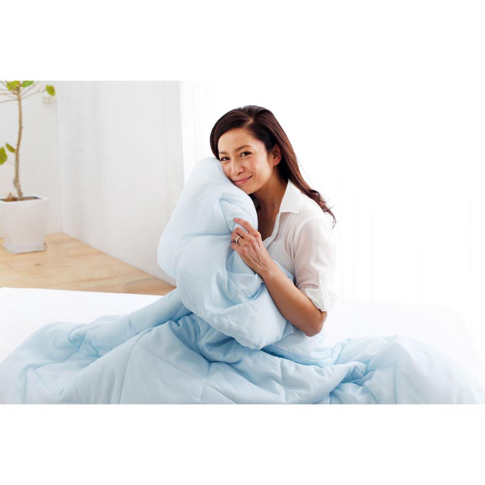 テンセルTM &ガーゼ寝具シリーズ お得な掛け敷きセット(コンフォーター+敷きパッド+ピローパッド) 「ふわふわで、軽くて、肌触りがよくて。春先も初夏も盛夏も秋も、ずっと手放せない感じです」
