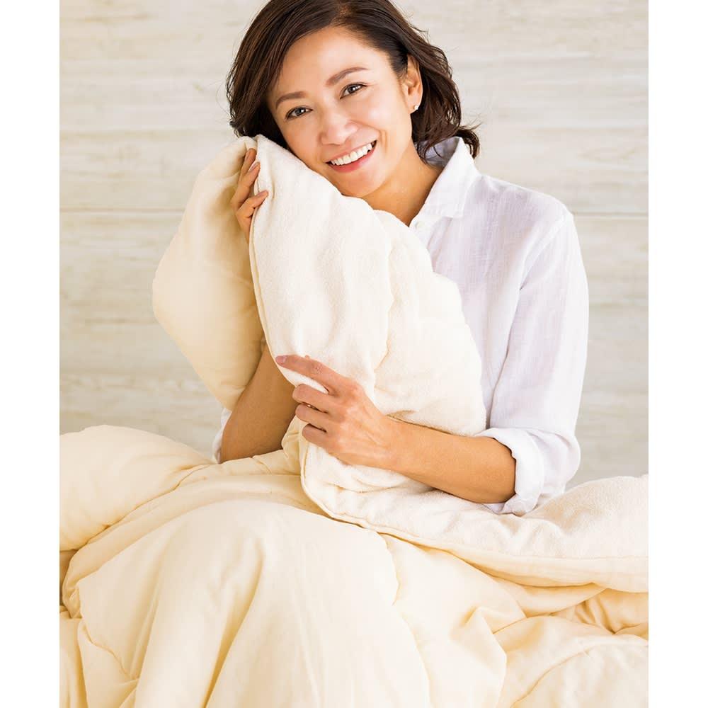 ふわふわ今治タオルの寝具シリーズ 掛け布団 「ふかふか感とさっぱりした肌ざわりがいいですね。活躍してくれるシーズンが長いのもうれしい!」