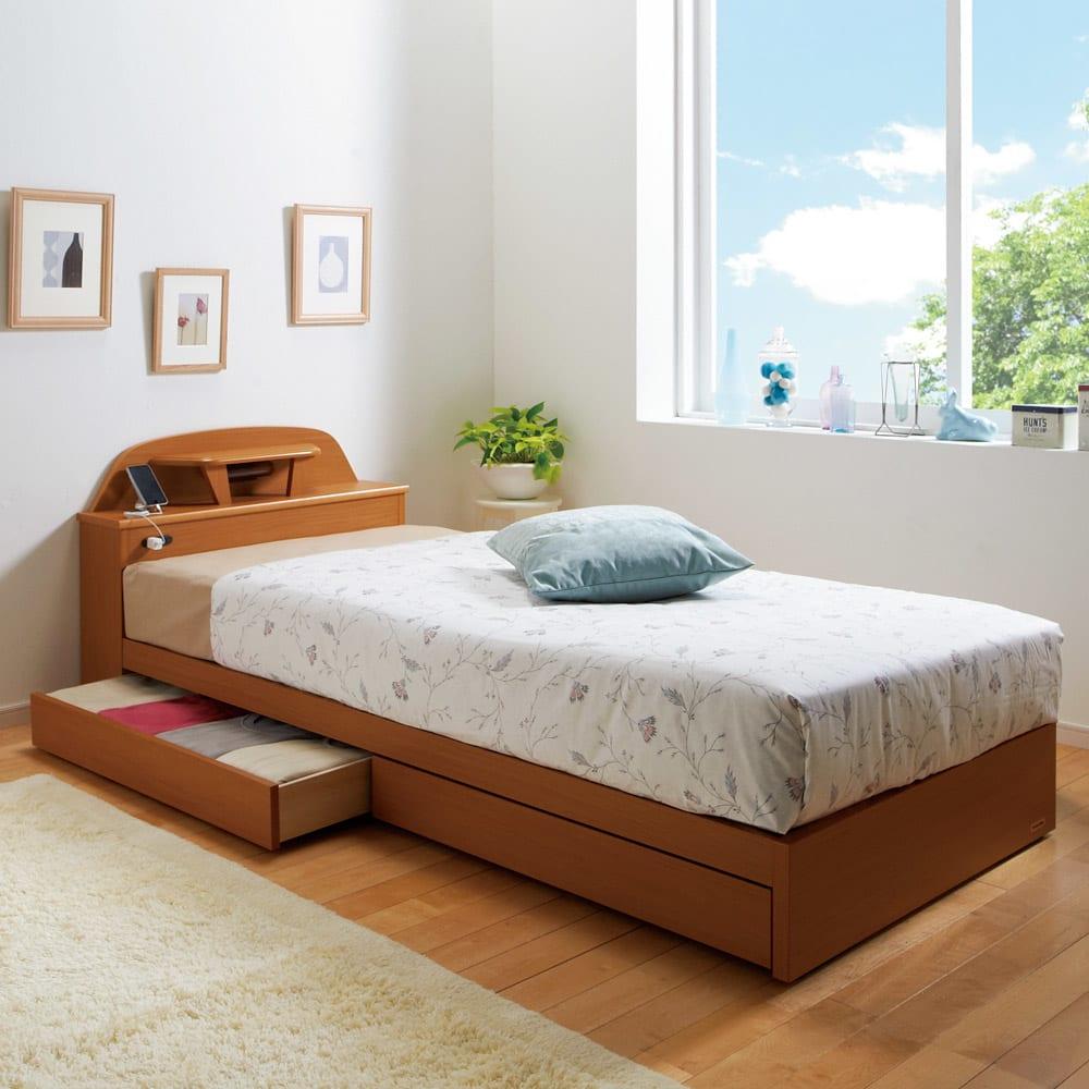 フランスベッド 棚照明付きベッド 羊毛綿入りマルチラススプリングマットレス付き (使用イメージ)(イ)ライトブラウン ※写真はシングルタイプです。