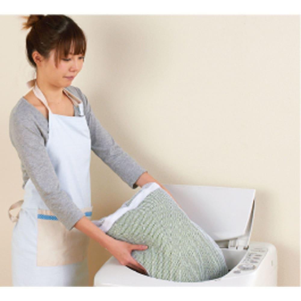 スペイン製フィットカバー 「ブリーロ」 ソファカバー アーム付き 洗濯機で洗えます。 汚れても、サッと取りはずしてご家庭の洗濯機で丸洗いできるので、いつも清潔にお使いいただけます。