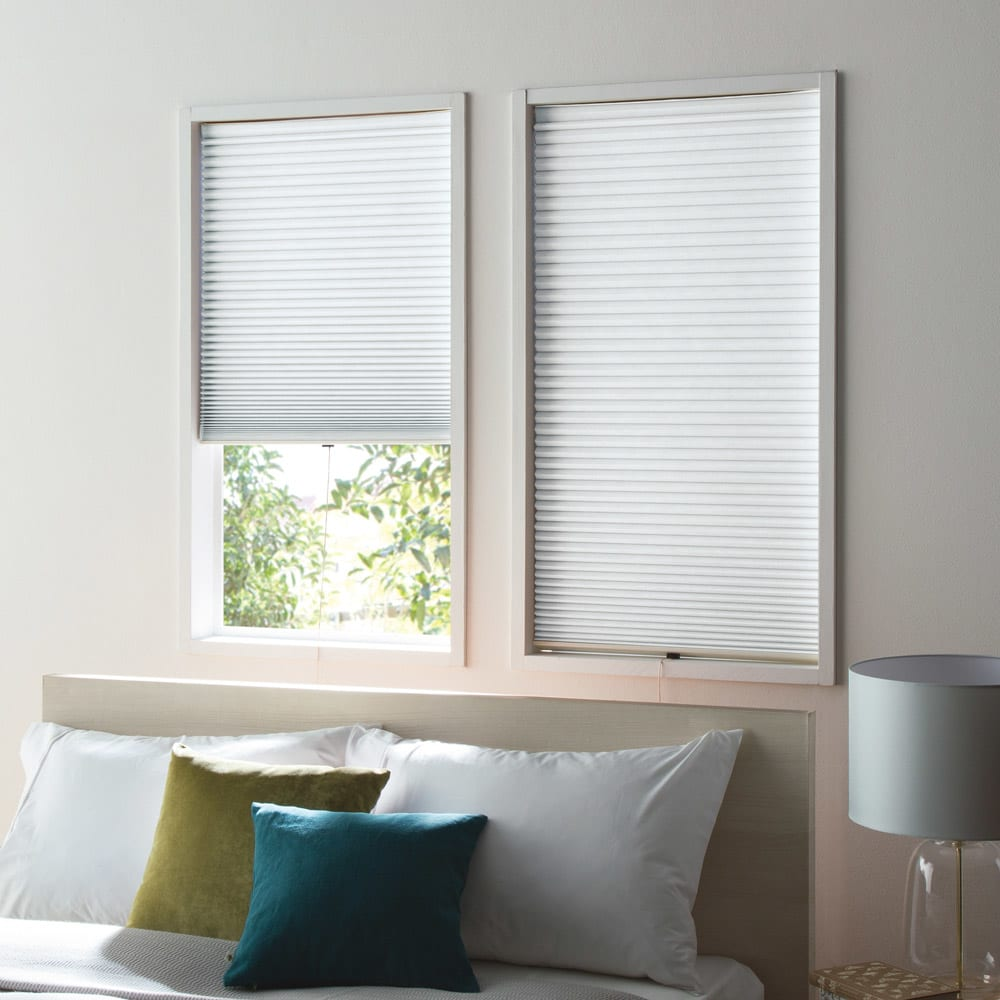 遮光・遮熱ハニカム構造の小窓用シェード(つっぱりポール付き) (ア)ホワイト