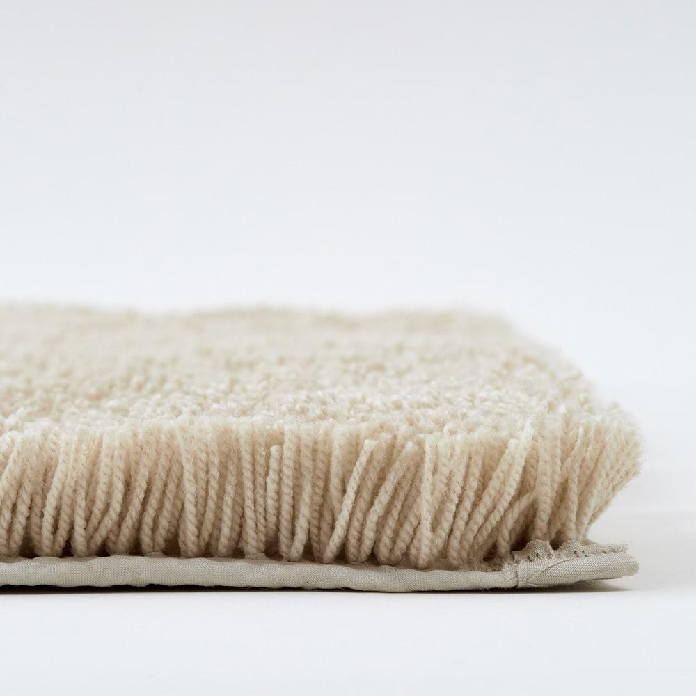 イージーオーダー 乾度良好バスマット 幅80cm 約24mmの長い毛足がすばやく吸水します。